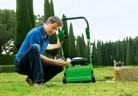 """Аериране на почвата и прочистване на тревата от """"филц"""""""