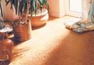 Полагане на подови настилки от корк