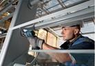 Компактни акумулаторни отвертки на Bosch с ударно действие