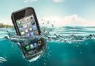 С iPhone, iPad и iPod Touch под вода, в сняг, пясък и прахоляк