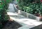 Настилане на пътеки и алеи в градината