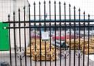 Градински огради с мрежа или метални платна