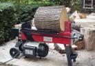 Машинно цепене на дърва в домашни условия