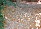 Настилки и облицовки в градината